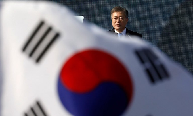 S. Korea's Moon to send special envoys to North on Monday