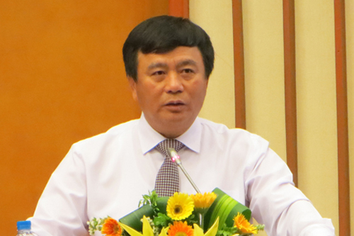 Nguyen Xuan Thang is replacing Dinh The Huynh as chairman of the Central Theoretical Council. Photo by VnExpress.