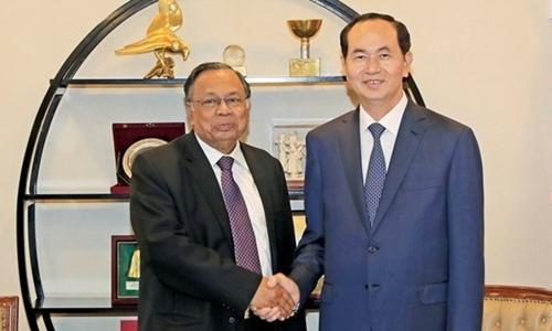 Bangladesh welcomes Vietnamese president with 21-gun salute