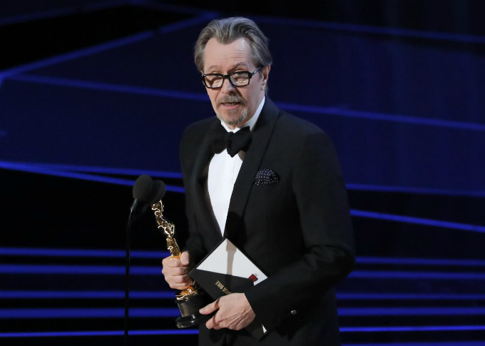 90th Academy Awards - Oscars Show - Hollywood, California, U.S., 04/03/2018 - Gary Oldman accepts the Oscar for Best Actor for Darkest Hour. Photo by Reuters/Lucas Jackson