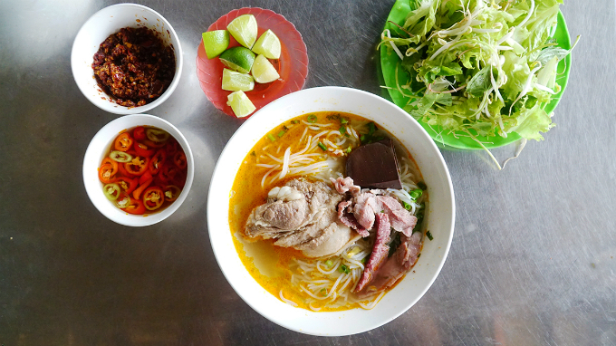 8 must-try dishes to give you a true taste of Hue - 1
