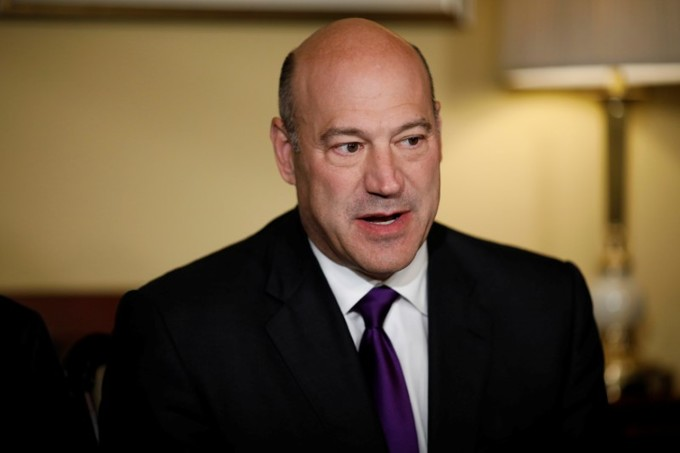 Trump economic adviser Cohn quits after tariffs dispute