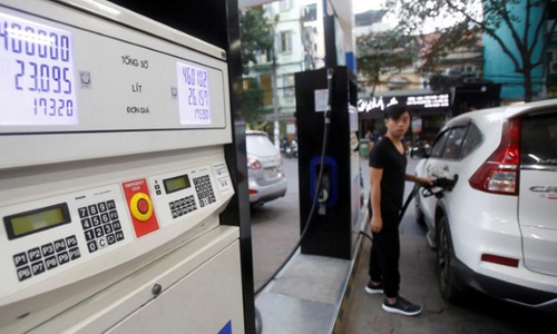 Vietnam revokes license from $3.2 billion oil refinery project