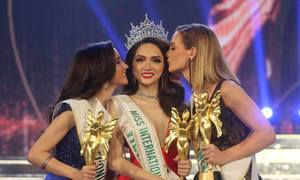 Vietnamese singer crowned international transgender beauty queen