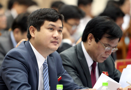 Vietnam dismisses Party official promoted by now disgraced father
