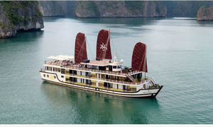 Sail in style to world-renowned Ha Long Bay with luxury cruise liners