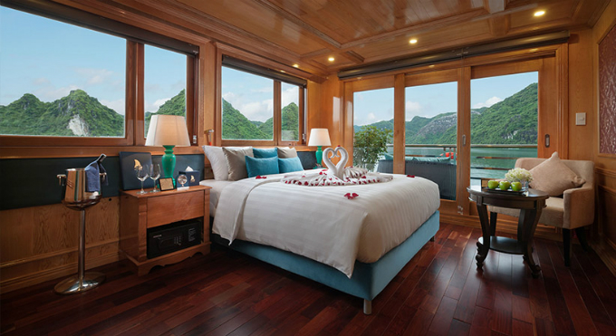 Sail in style to world-renowned Ha Long Bay with luxury cruise liners - 2
