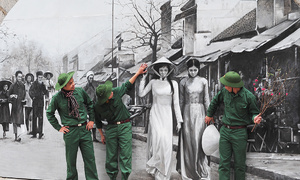 Murals along Hanoi street take visitors back to the 1980s