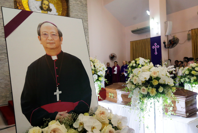 Archbishop Paul Bui Van Doc passed away on March 6 in Rome, Italy at the age of 73 after he suffered a stroke when attending a concelebration at the Basilica of Saint Paul outside in Rome.