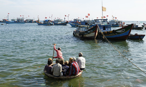 Philippines arrests 14 Vietnamese sailors for illegal fishing