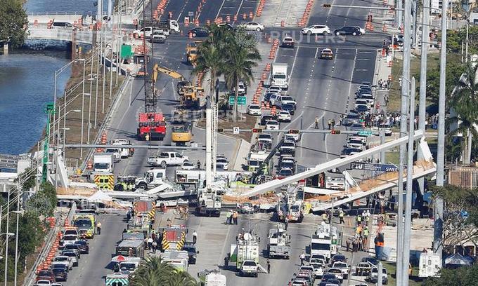 Florida foot bridge collapse leaves 4 people dead