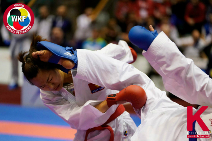 Vietnamese athlete in her competition against Peruvian Grande Alexandra on Sunday. Photo courtesy of the World Karate Federation.