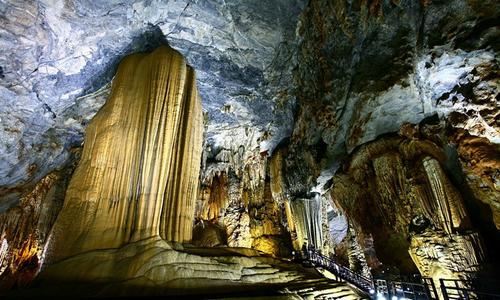 Exploring Vietnam's 'Underground Palace'