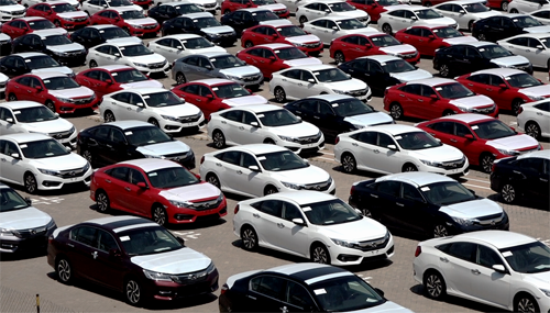 Car imports accelerate in Vietnam after two-month crash