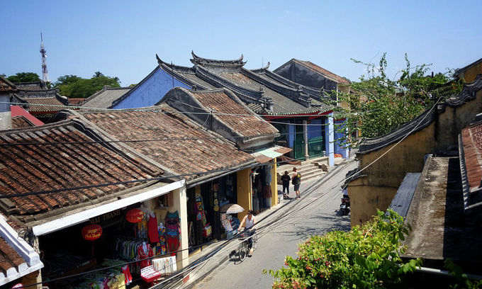 Vietnamese teenagers arrested for robbing foreigners in Hoi An