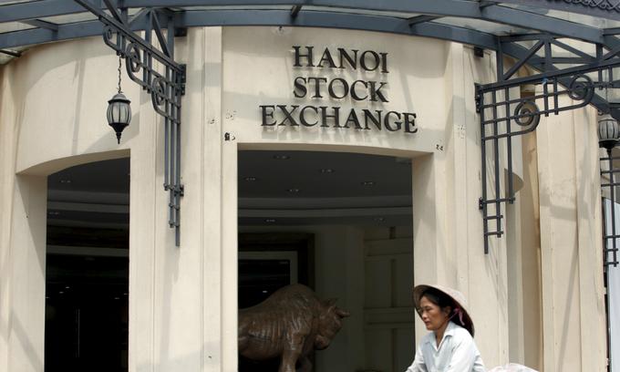 Vietnam's stock market rises to record high