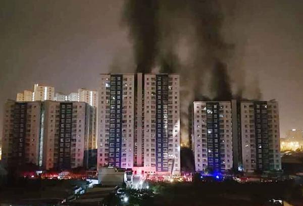 13 killed in Vietnam apartment fire
