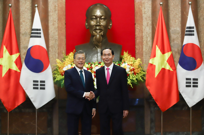 Vietnam, South Korea agree to do $100 billion in bilateral trade by 2020