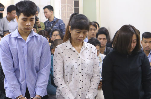 The three defendants involving in the fire at the karaoke bar that kills 13 people in November 2016: Hoang Van Tuan (R), Le Thi Thi and Nguyen Dieu Lieu Linh. Photo by VnExpress/Viet Dung
