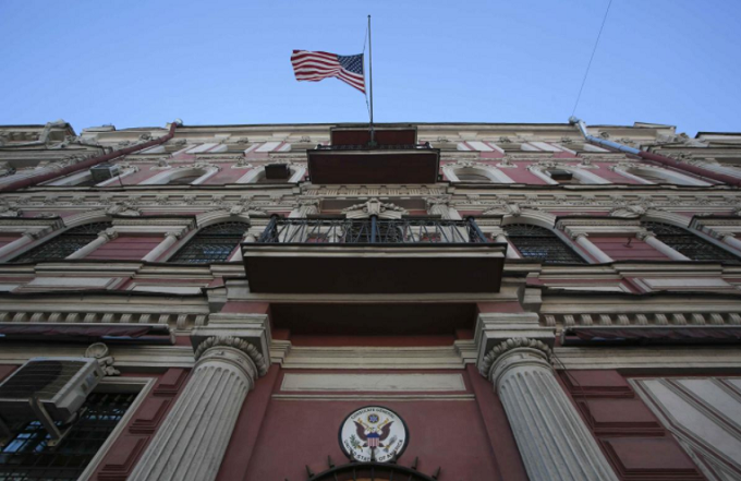 The state flag of the U.S. flies outside the building of the countrys consulate-general in St. Petersburg, Russia March 29, 2018. Photo by Reuters/Anton Vaganov