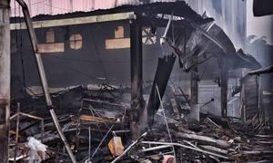 Shopkeepers devastated as fire decimates Hanoi market