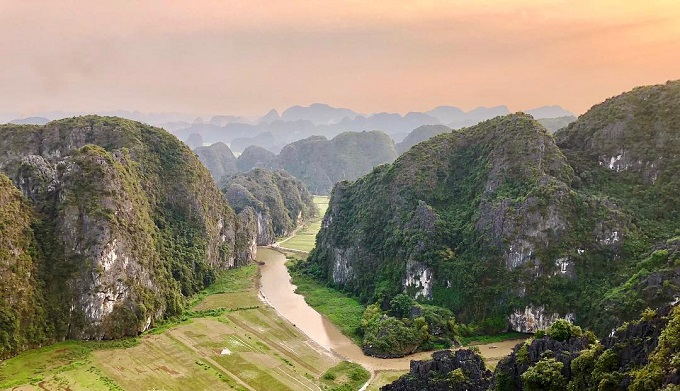 The beautiful panoramic view of Tam Coc from the top of Mua Peak. Photo by Hang Mua Ecolodge