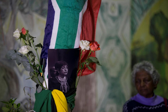 People gather to pay their respects to Winnie Madikizela-Mandela in Durban, South Africa, April 2, 2018. Photo by Reuters/Rogan Ward