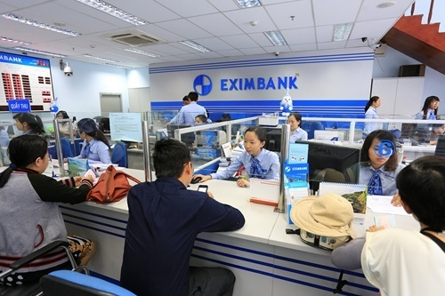 Vietnam's state bank tries to reassure clients in wake of multi-million fraud cases