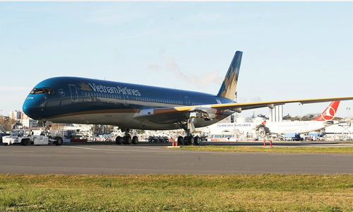 Vietnamese plane makes emergency landing to rescue Danish passenger