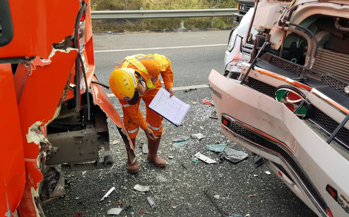 A truck hits a sleeping coach.