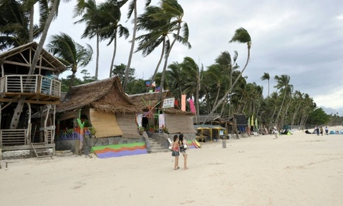 Philippines to close Boracay resort to tourists for six months