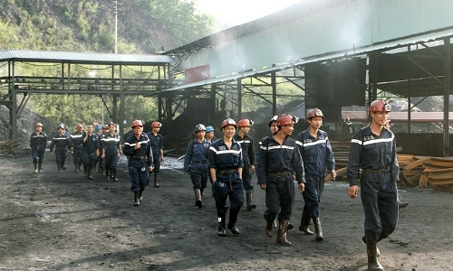 One miner dead in coal pit collapse in northern Vietnam