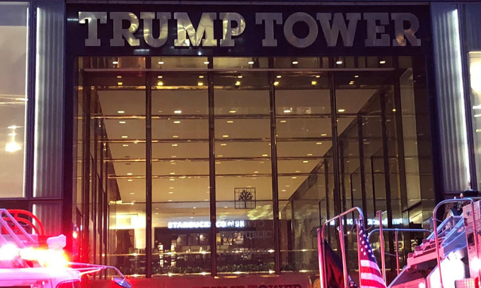 One killed in apartment fire at Trump Tower in New York