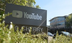 Consumer groups seek probe of YouTube over ads for kids