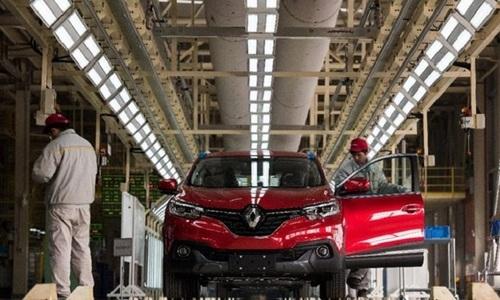 Car imports crawl into Vietnam in Q1: report