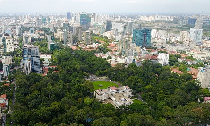 Land fever unlikely to cool in HCMC, neighboring provinces: experts
