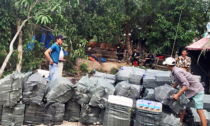 Customs boat crash kills cigarette smuggler in southern Vietnam