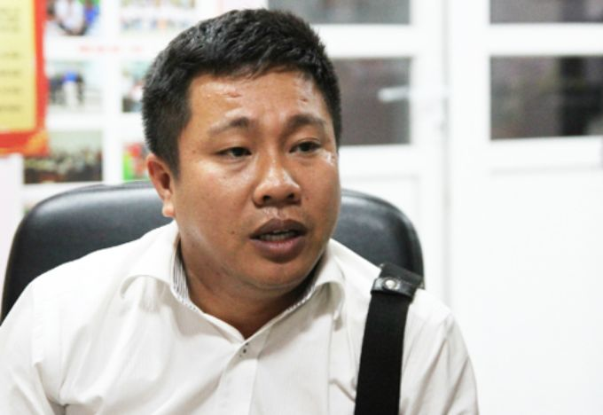 Nguyen Thanh Chung, an education investor from Phu Yen Province, talks about possible loss of money from his collaboration with an alleged ghost school from the U.S. Photo by VnExpress/Thuy Linh