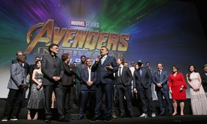 Marvel heroes together en masse for 'Avengers: Infinity War'