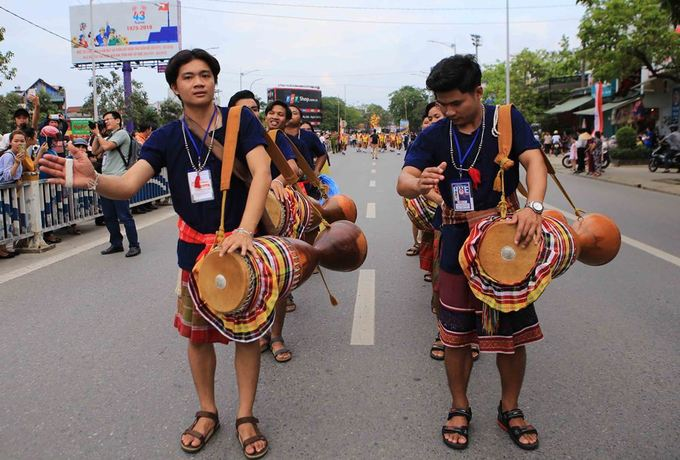 Artists from Thailand bring their traditional drums.