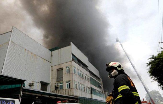Five firefighters among 7 dead in Taiwan factory blaze