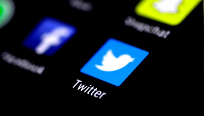 Twitter urges all users to change passwords after glitch