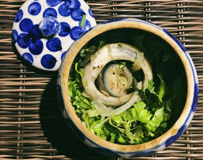 Sea tunas eyes is another regional food that also needs to be on your must try list. This dish commonly cooked with Chinese herb to get rid of most strong fish taste. But be warn, the fish eyes are big and very rich. A bowl like this would cost around VND40,000.