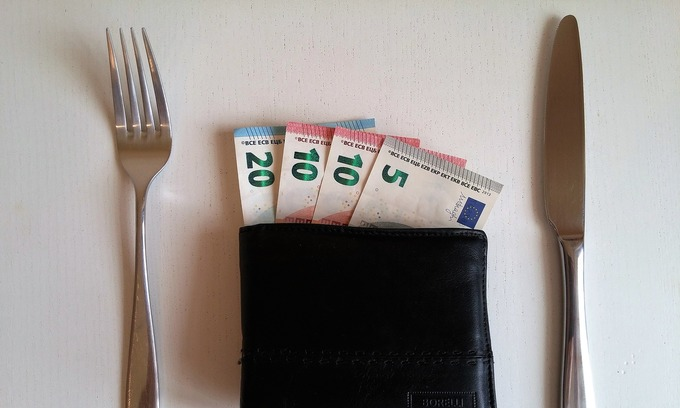 Complete guide to the tipping culture in Vietnam