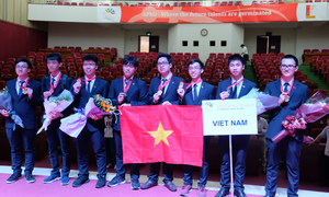 Vietnamese students bag 4 gold medals at Asian physics competition