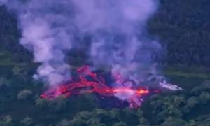 Huge fissure opens on rumbling Hawaiian volcano