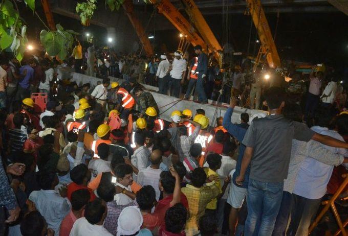 India flyover collapse kills 18 in Varanasi