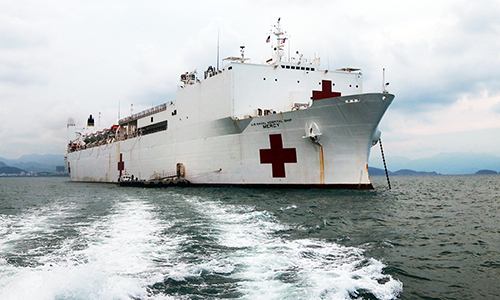 US hospital ship makes port call in Vietnam for humanitarian campaign