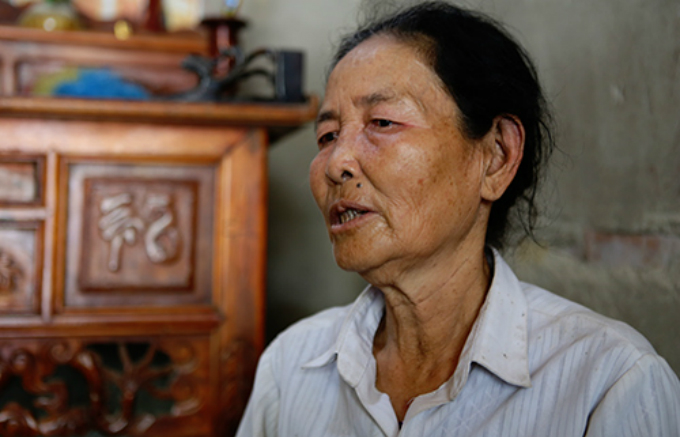 Nguyen Thi Ly, Yens mother, said the family would stand by Yen if she wants to go back to China to live with her husband. Photo by Vnexpress/Nguyen Hai.