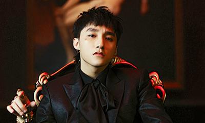 V-pop star signs deal with top Korean music platform, praised across Asia